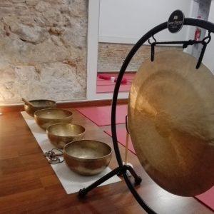 Sonoterapia: baño de gong y cuencos tibetanos