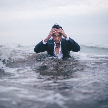 Las hormonas y neurotransmisores involucrados en el estrés y sus efectos